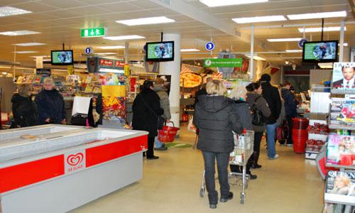 Quảng cáo LCD tại các siêu thị hiện đại