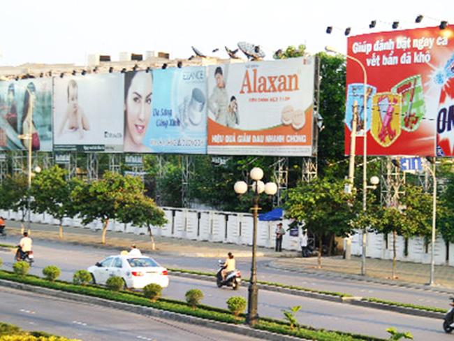 Quảng cáo ngoài trời, pano, billboard